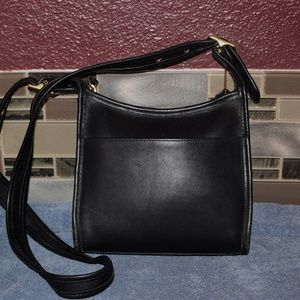 COACH Vintage Black Leather Crossbody Messenger